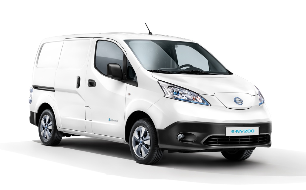 test nissan e nv200 evalia. Black Bedroom Furniture Sets. Home Design Ideas